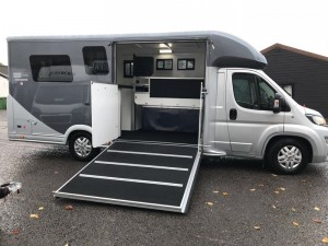 Equi-Trek Victory Excel with LV + Flush Glazed Windows