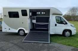 Equi-Trek Victory Excel with LV & Deluxe Cab (Air conditioning, Sat Nav)